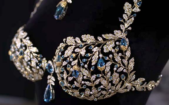 7c8d2b3d81  2M Bra Features 600 Carats of Diamonds