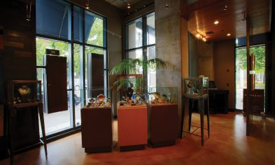 Oregon Jeweler Sees His Store As a Stage