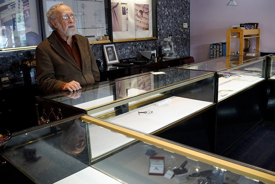 When a Jeweler's Store Was Robbed, This Local Competitor Stepped Up to Help