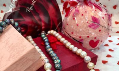 This Valentine's Day, Try Your Jewelry in Bathbombs