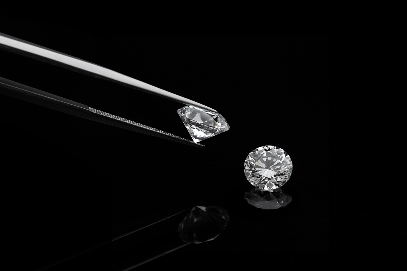 53M Americans to Buy Diamonds Between Thanksgiving and Valentine's Day