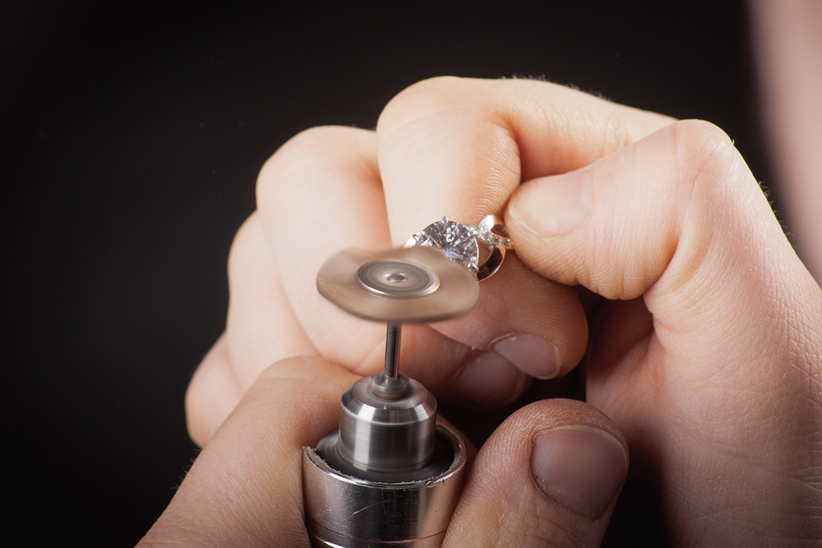 Can't Find a Jeweler to Work for You? Here's What You Should Do