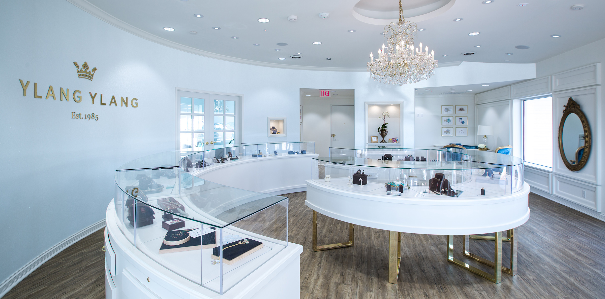 This Cool Store's Custom-Curved Showcases Embrace Shoppers