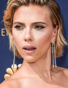 Long Earrings Were the Trend That Sparkled Most On the Emmys Red Carpet