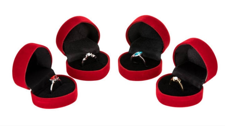 Retailer Sells 20,000 'Placeholder' Engagement Rings for $1.30 Each