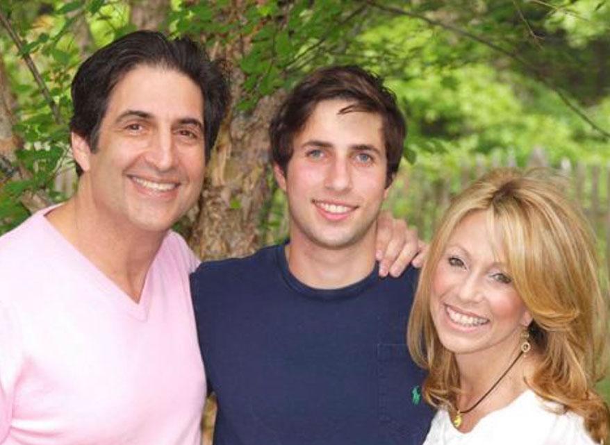 Jewelry Designer Mark Cohen of J.J. Marco Dies