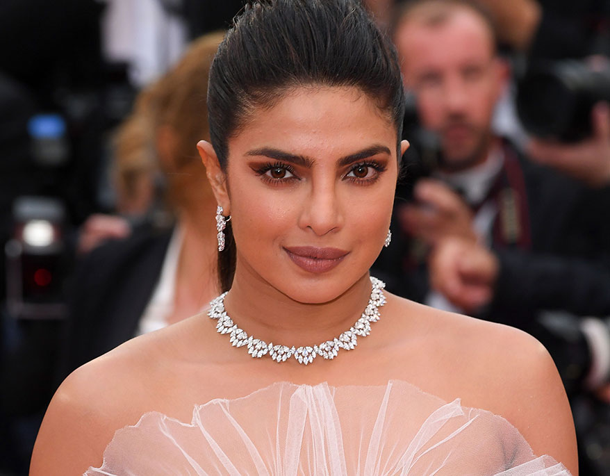 Brides Are Wearing This Red-Carpet-Inspired Diamond Jewelry, But It's Not Rings