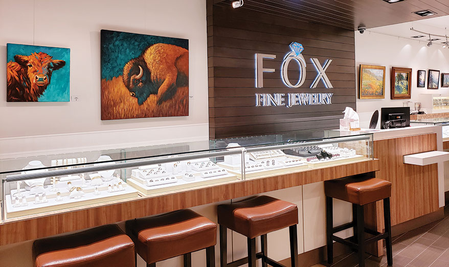 Jewelers Find That Art Draws a Crowd