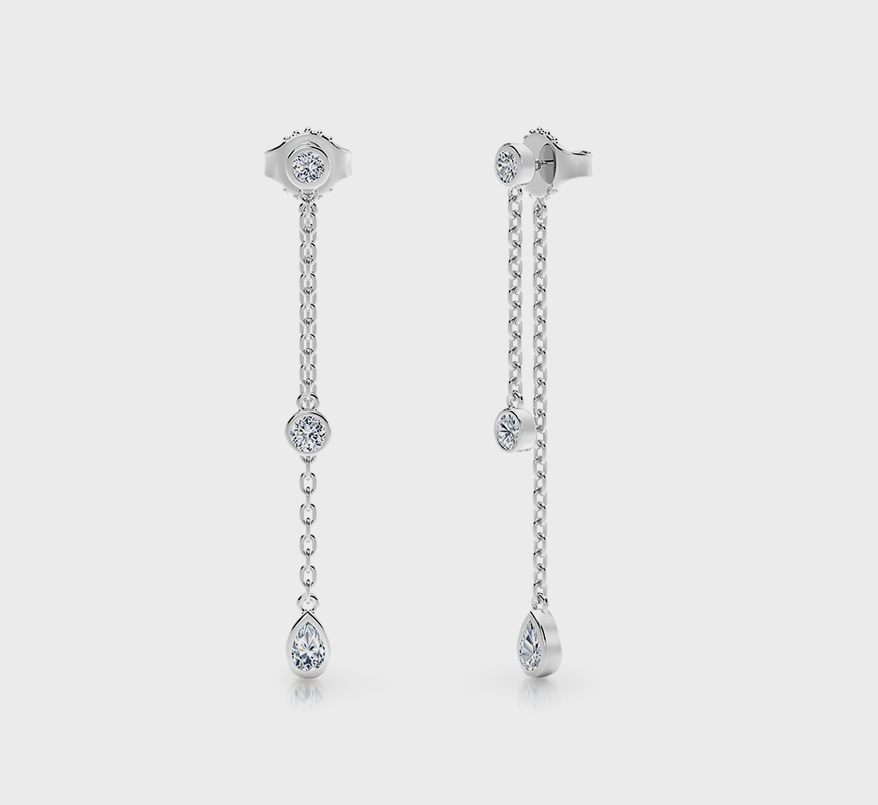 Double Linear Earrings Were a Hit During Red Carpet Season