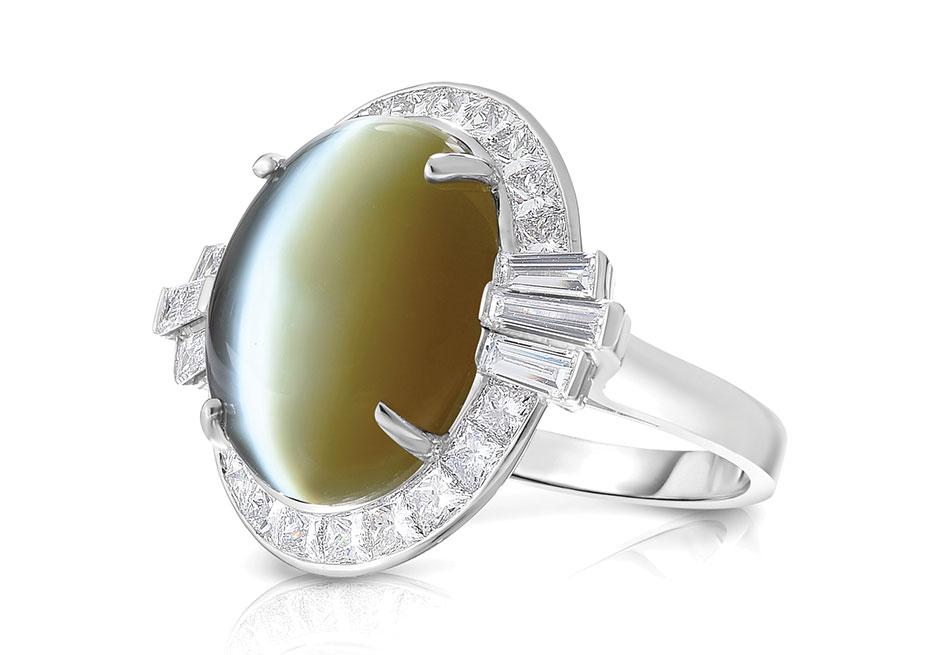 Oscar Heyman Platinum 17.10-carat cat's-eye chrysoberyl ring with diamond frame