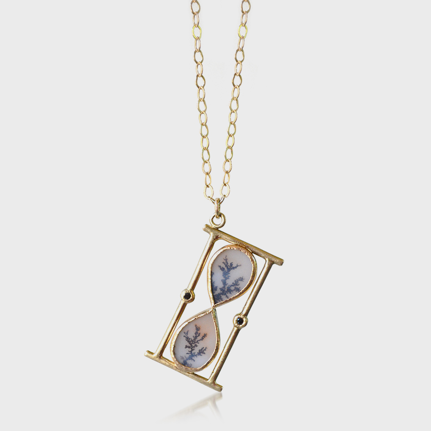 Acanthus 14K yellow gold pendant with dendritic agate and black diamond