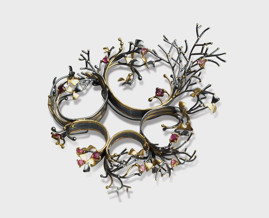 """""""Wreath,"""" a brooch/pendant by Sophia Hu"""