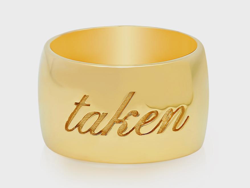 Established 14K yellow gold ring.