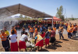 traditional owners welcome employees at the Argyle mine