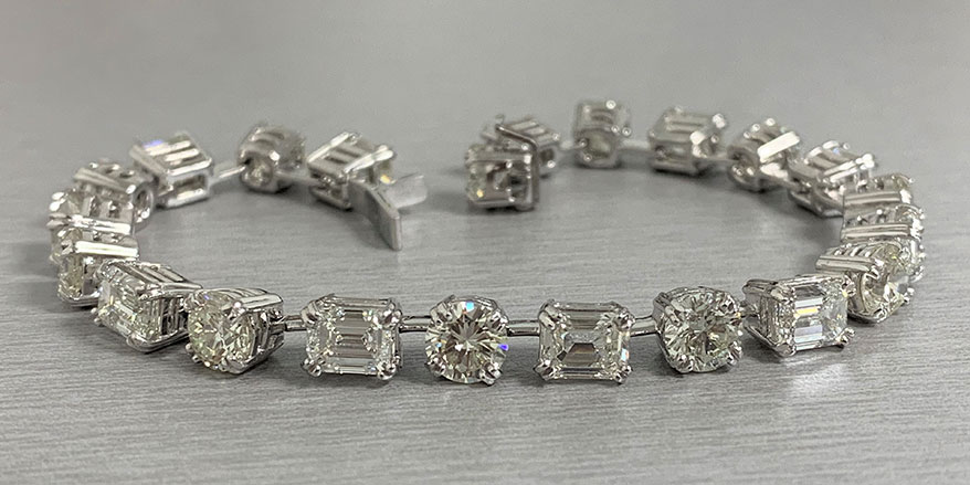 Beauvince Emerald Cut & Round Diamond Tennis Bracelet