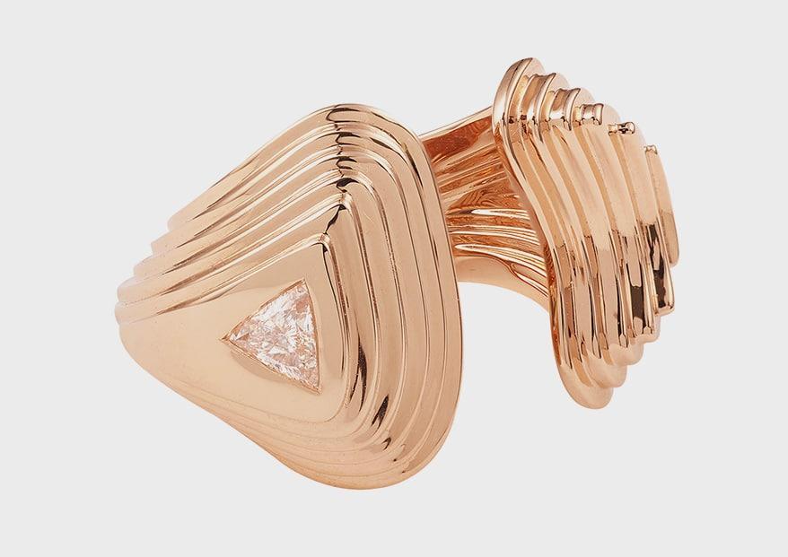 ANESKA 18K yellow gold ring with diamond.