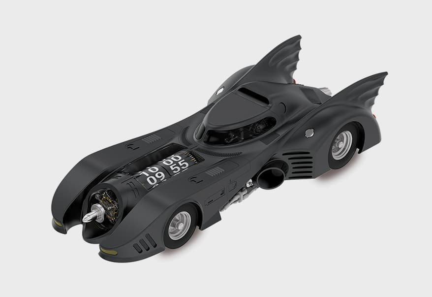 Batman collectible: the 1989 Batmobile X Kross Studio Desk Clock