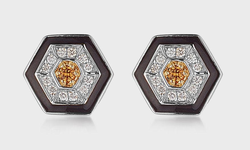 Armoura 18K white gold earrings