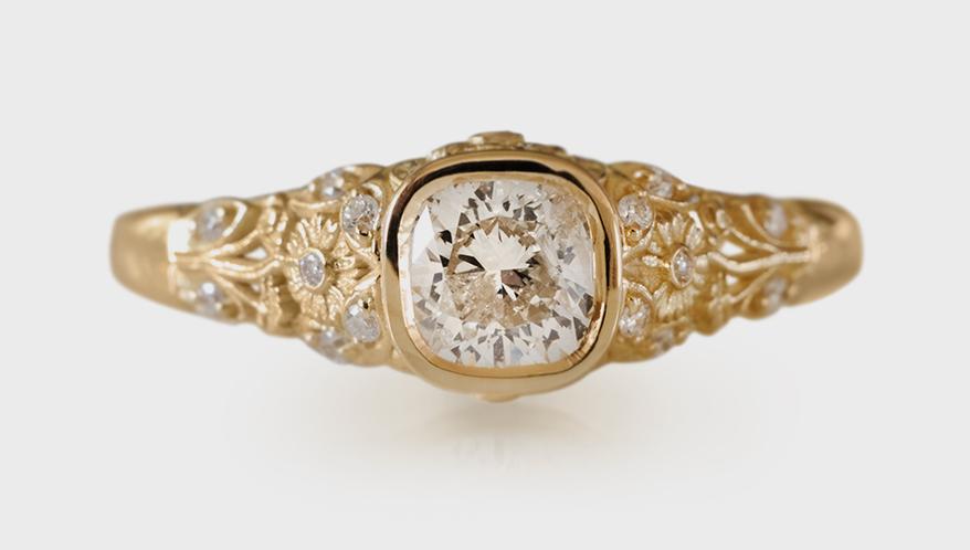 Jenny Norman 18K yellow gold ring