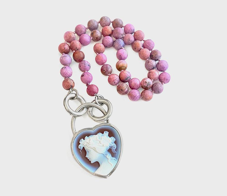 Mejia Jewelry Collier en argent sterling avec perles de rubis et cadenas camée amovible.