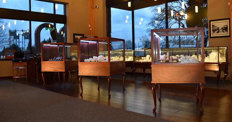 Erik Runyan Jewelers showcase