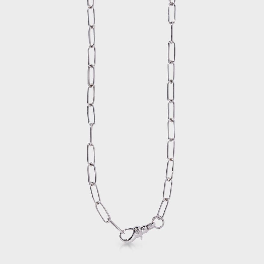 Milamore 18K white gold chain.