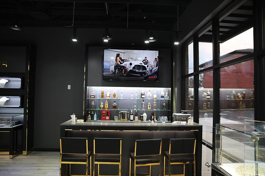 Diamond Center Jewelers bar