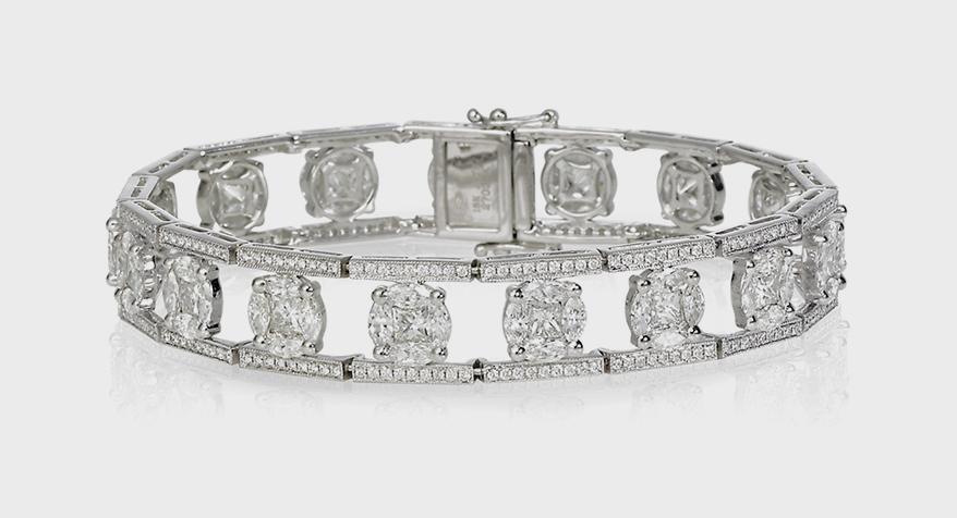Jye's International  18K white gold bracelet