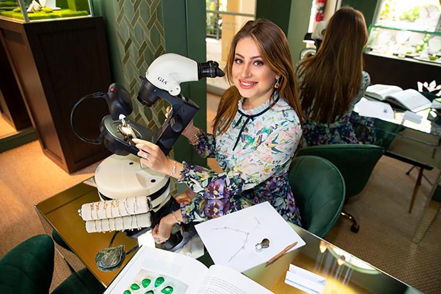 Karina Brez, at her desk. Image by Sergio Aguilar.